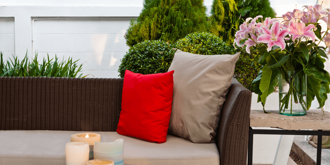 8 Tips For Choosing the Right Patio Furniture Featured Image